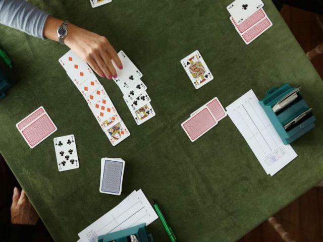 Bài Bridge là gì? Cách chơi bài Bridge như thế nào?